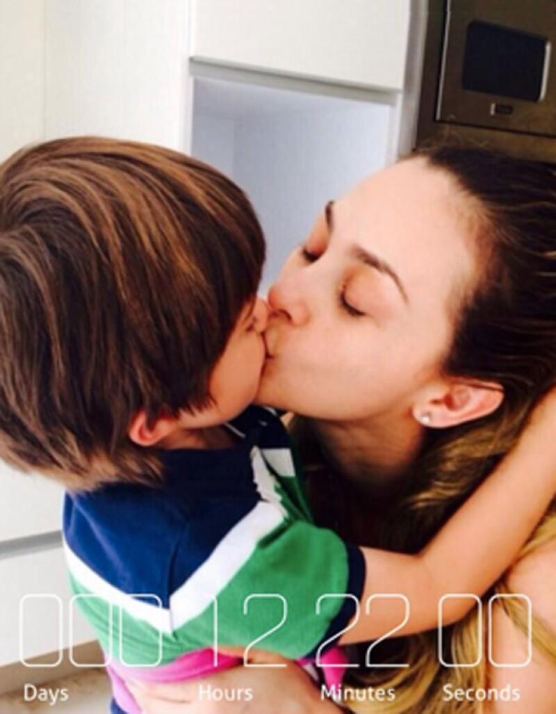 Esta fotografía la publicó el año pasado con motivo del cumple de Daniel, siendo esta una de las contadas ocasiones en las que muestra a sus hijos.