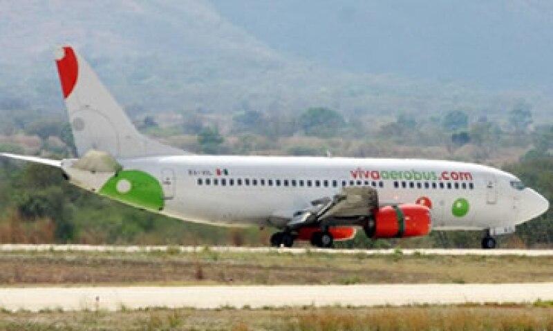 El vuelo 1713 de VivaAerobus se reportó con una demora de 120 minutos. (Foto: Tomada de Facebook.com/VivaAerobus)