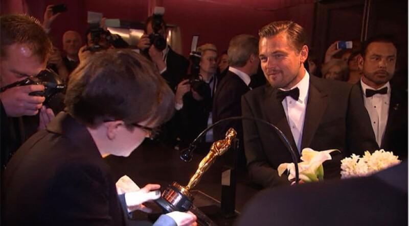 El actor esperó con felicidad mientras grababan su nombre en su primer Oscar.