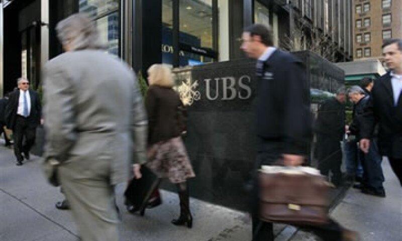 Los bancos mundiales enfrentan un débil escenario económico y nuevas regulaciones. (Foto: AP)