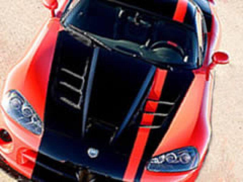 Viper tiene 600 caballos de fuerza, cuesta 90 mil dólares y nació en 1992. (Foto: cnnmoney.com)