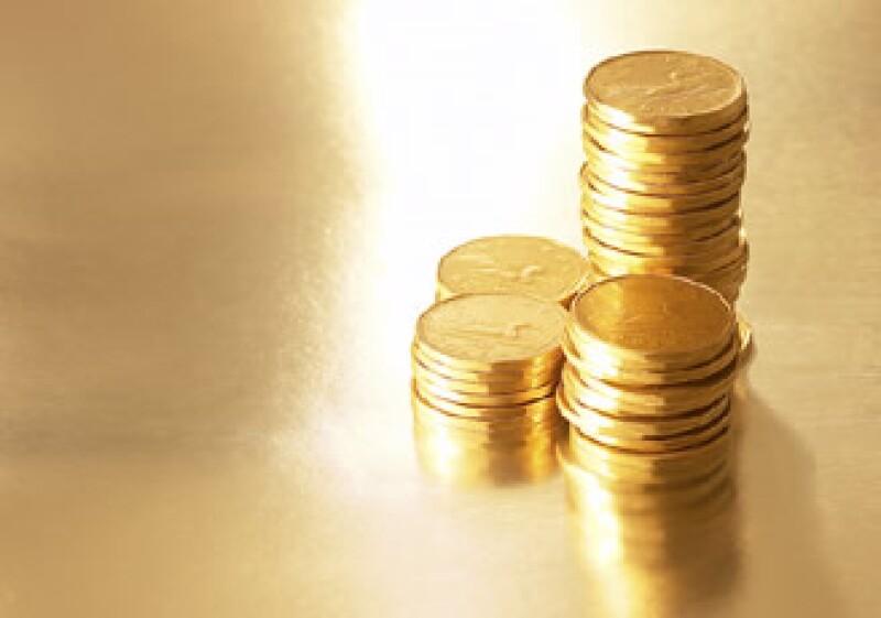 El dólar ha tocado mínimos de 15 meses ante el euro, impulsando al oro. (Foto: Jupiter Images)