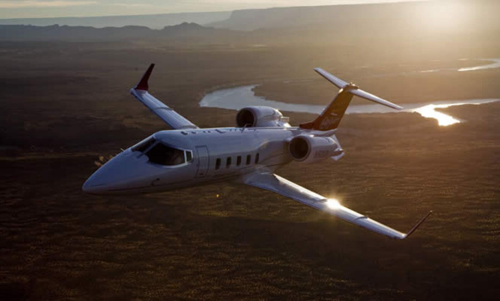La empresa canadiense fabricante de trenes y aviones, Bombardier, nos muestra una de sus joyas, el Learjet 60 XR.
