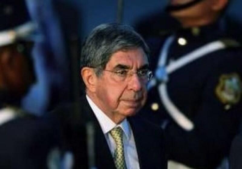 Óscar Arias, presidente de Costa Rica, ayudará a solucionar la crisis política que padece Honduras. (Foto: Reuters)