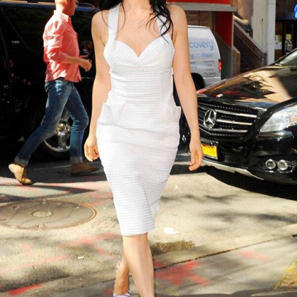 Lucy Liu siempre saca su lado más femenino.