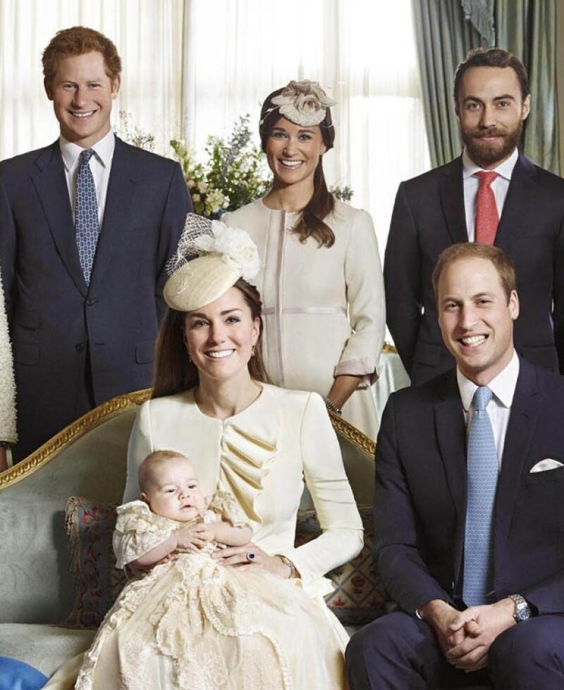 Así lució el príncipe George durante su bautizo el pasado septiembre de este año.