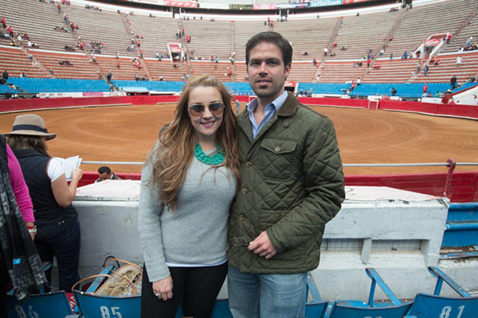 Paola Carrillo,Julio Fernández