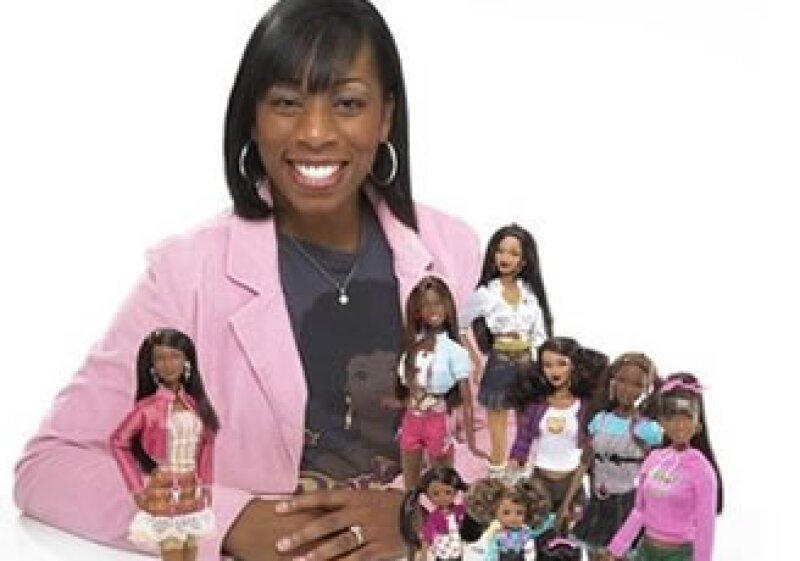 La diseñadora de la línea, Stacey McBride-Irby, dijo que buscó crear muñecas que inspiraran y tuvieran propósitos profesionales. (Foto: AP)