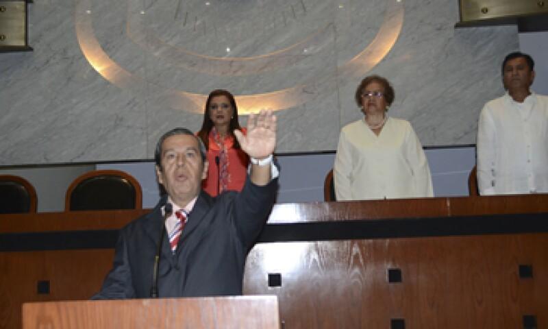 Este domingo Rogelio Ortega rindió protesta como gobernador interino en sesión solemne del Congreso estatal. (Foto: Cuartoscuro )