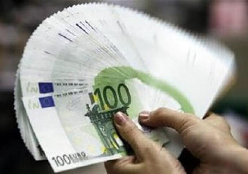 Inversores temen que las medidas de austeridad impacten el crecimiento económico. (Foto: Reuters)