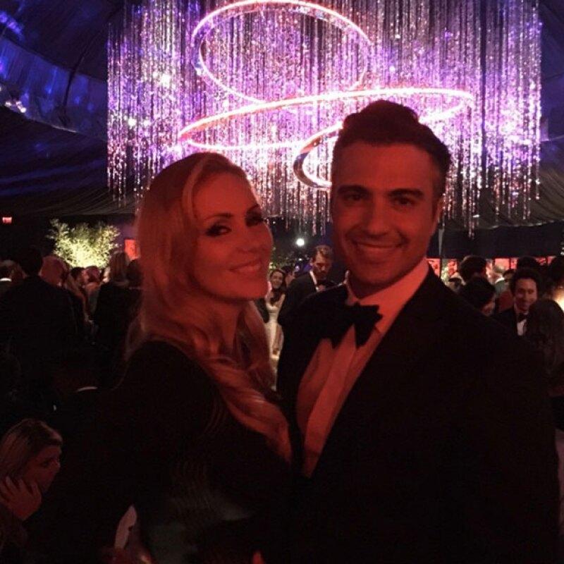 Jaime Camil y Heidi Balvanera compartieron en Instagram su gran noche en la entrega de premios, además de celebrar el triunfo de la serie Jane the Virgin.