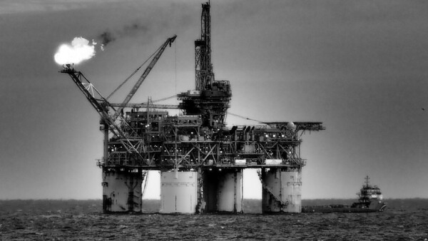 oil rig or platform flaring, offshore petroleum industry