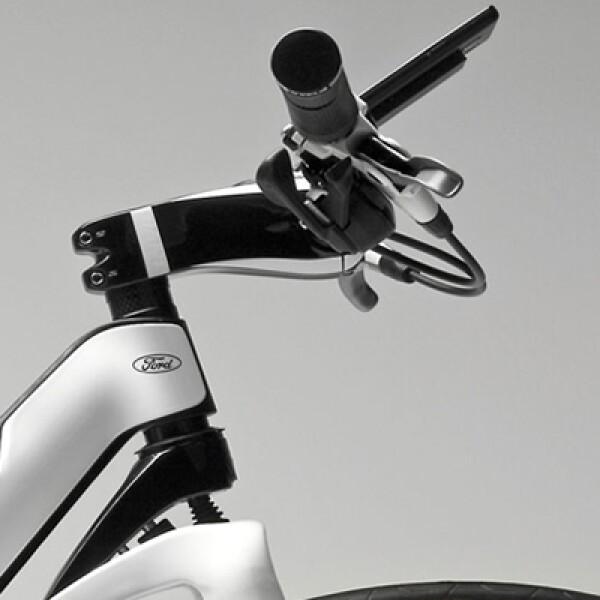 La bicicleta de Ford, cuenta con GPS, panel de control para recibir información del recorrido y sobre el estado de la batería, velocidad y distancia.