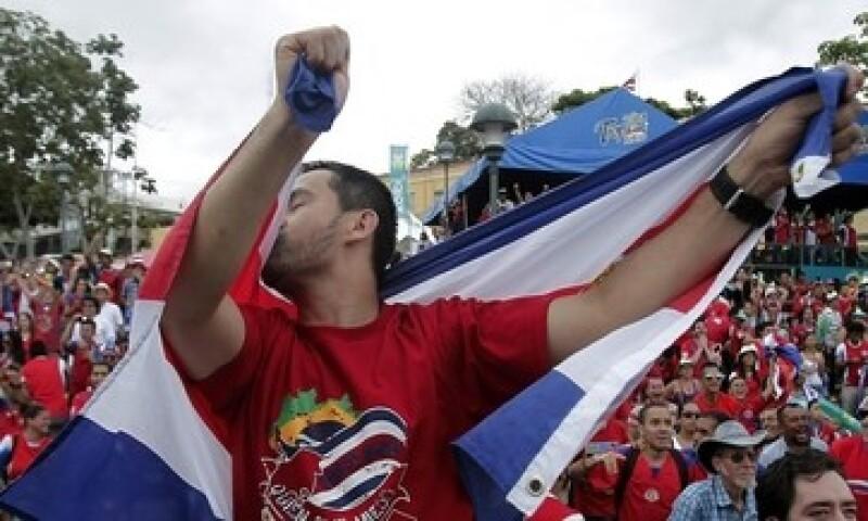 Costa Rica ha dejado de ser una economía basada en la agricultura, pero aún tiene una moneda débil frente al dólar y la salida de varias empresas. (Foto: Reuters)