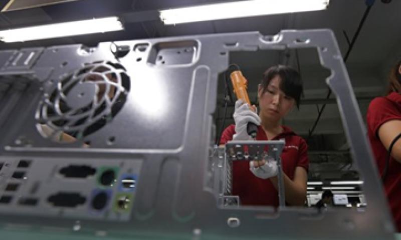 El sondeo oficial y el de HSBC mostraron que los fabricantes se vieron avectados por una débil demanda externa.  (Foto: Reuters)