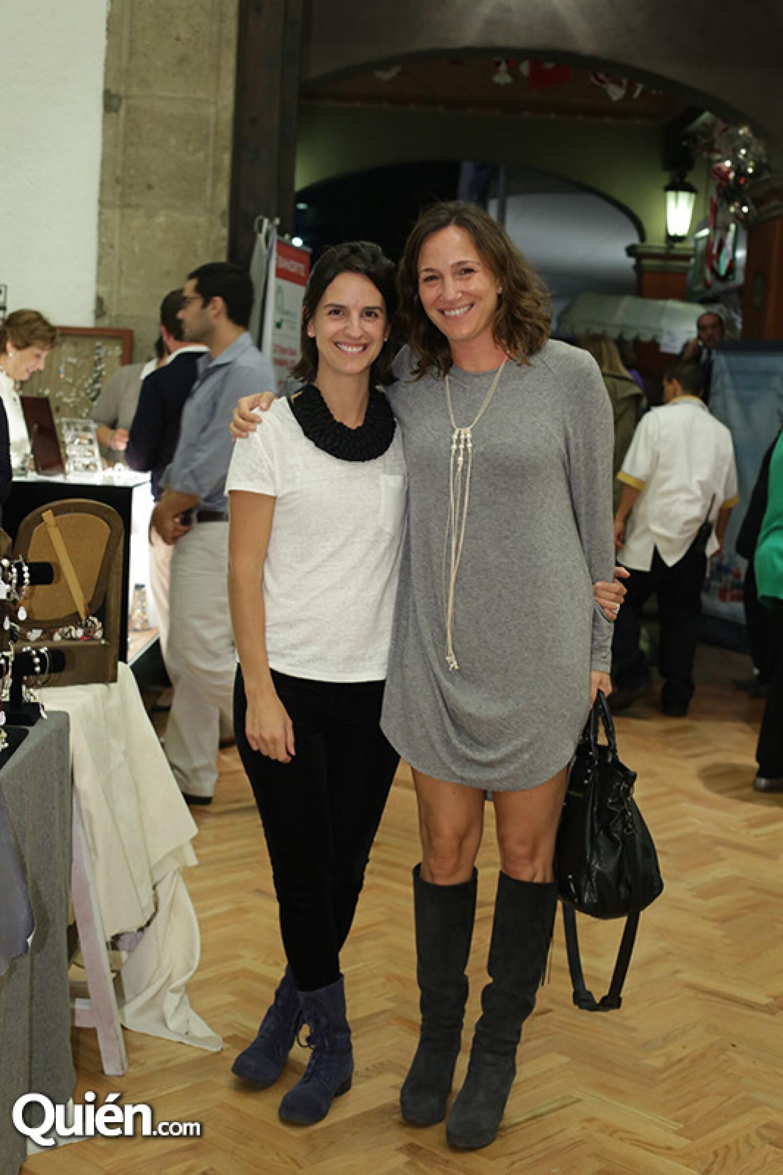 Ana González y Mariana Baños
