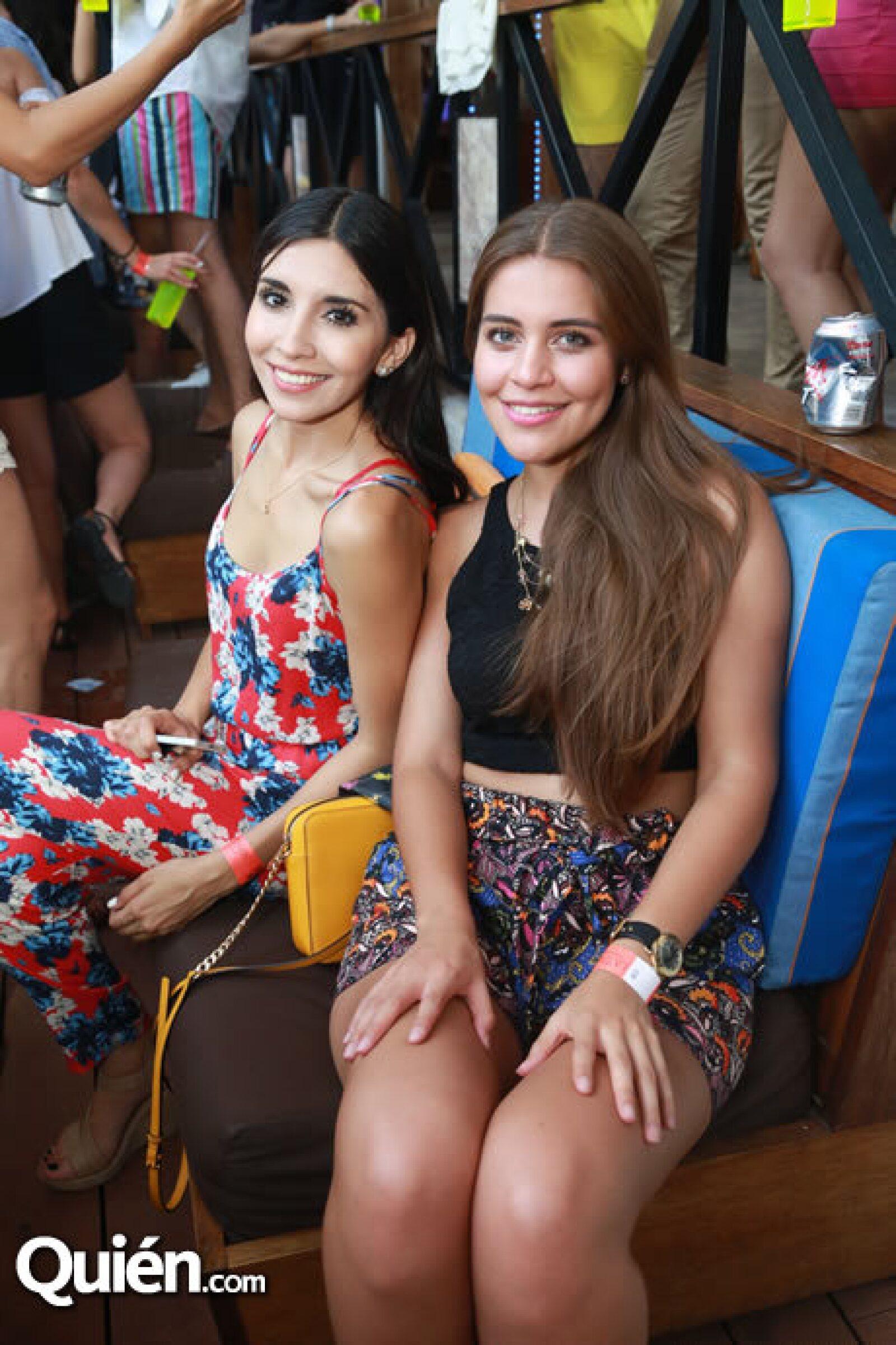 Yesenia de la Torre y Natalia Villalvaso