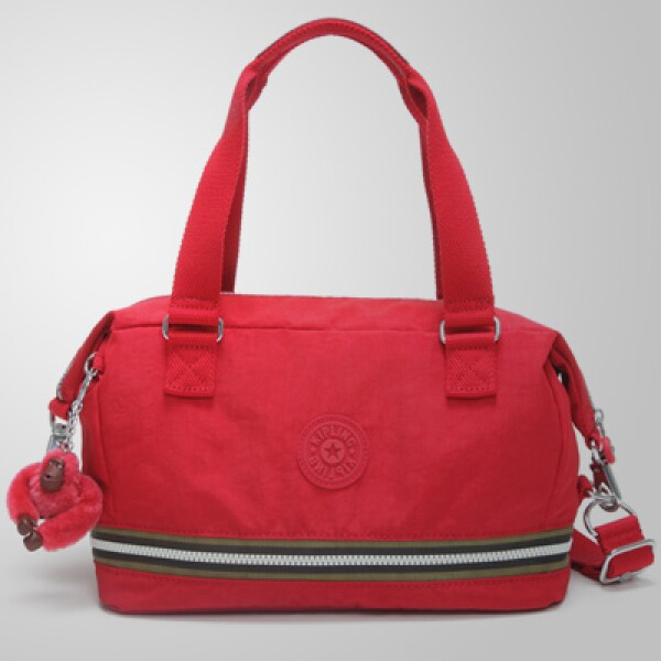Este estilo en color rojo también puede funcionar para complementar tu 'outfit'.