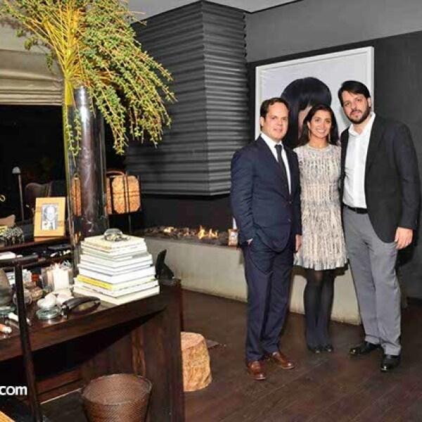 Carlos Gómez,Elizabeth y André Pezeta