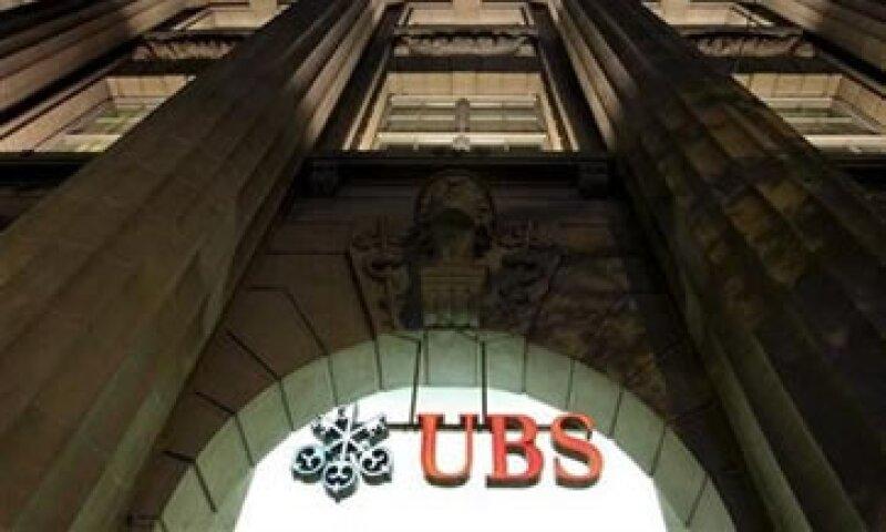 UBS indicó hace dos semanas que no había finalizado una revisión de sus operaciones.  (Foto: Reuters)