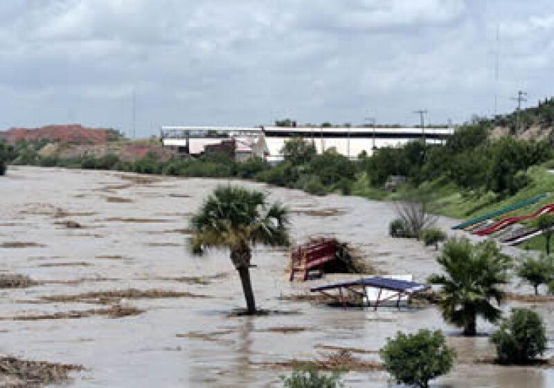 Las empresas reciben apoyo crediticio por las afectaciones por el huracán Alex. (Foto: Notimex)