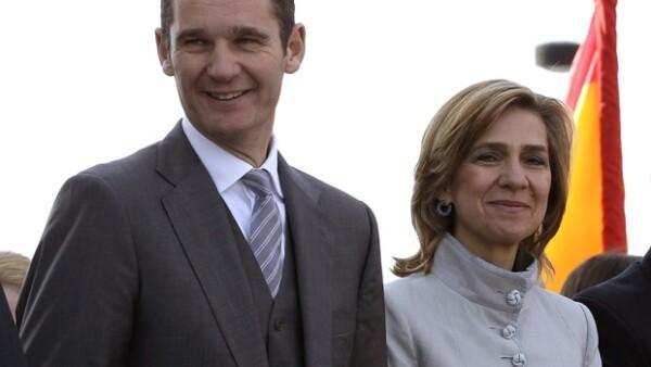 Los yernos y nuera del monarca español han dado mucho desde que emparentaron con la realeza. Aquí las hostporias de Letizia, Urdangarin y Marichalar.