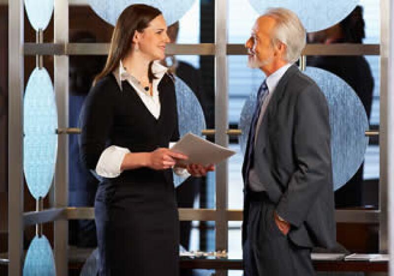 Procura mostrarle a tu jefe lo que puedes aportar a la empresa si te mueven a un puesto superior. (Foto: Jupiter Images)