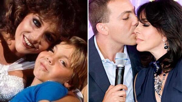 Cristian Castro posteó esta tierna imagen junto a su mamá Verónica Castro con la frase: `Mi niño Cristian, feliz día para mí´.