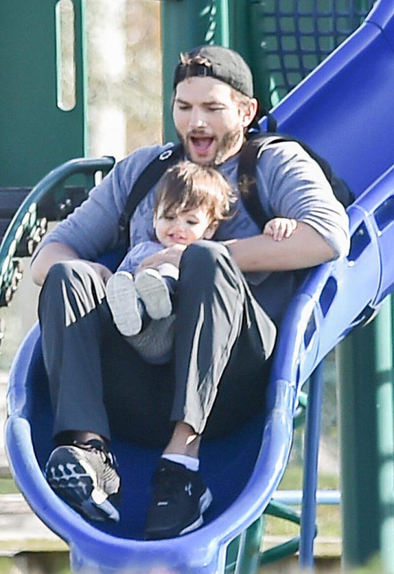 Sin saber que cerca se encontraban los paparazzi, el actor fue captado de lo más divertido junto a su primogénita en un playground.