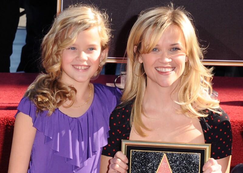 Ava y su hija Reese Witherspoon tienen la misma simpática sonrisa.