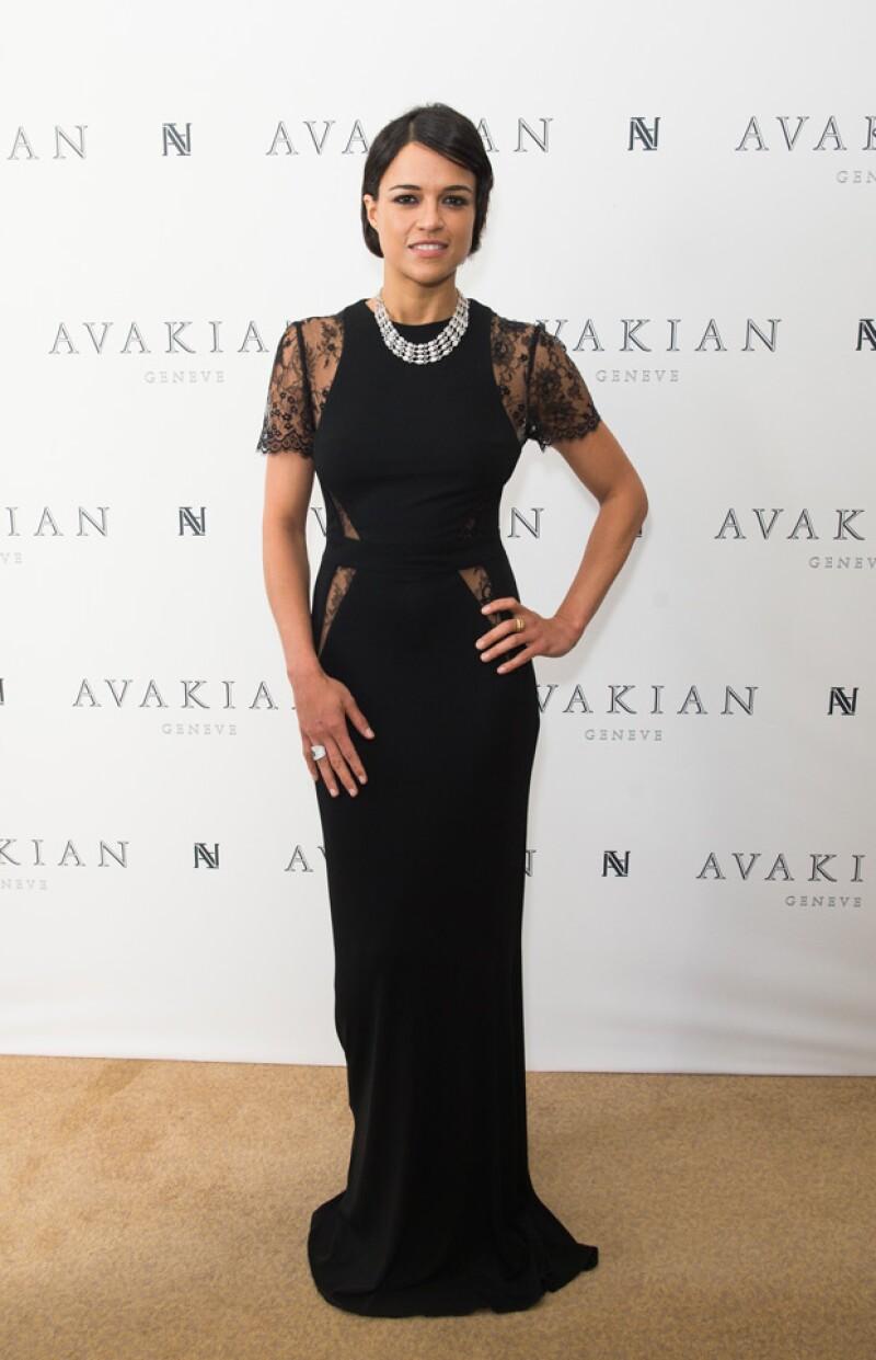 Michelle encantó con este delicado vestido en la fiesta de Chopard.