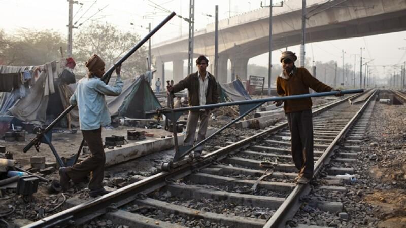 vias tren india