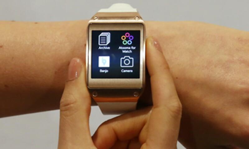 El reloj tiene una pantalla de 4.14 centímetro y peso de 73.8 gramos. (Foto: Reuters)