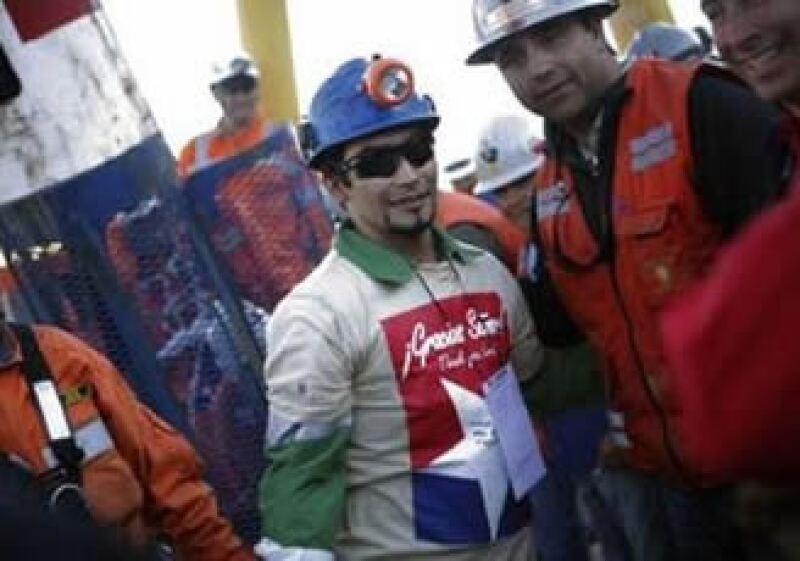 Los mineros repartirán las ganancias de las entrevistas y salidas a televisión, según un familiar de uno de ellos. (Foto: Reuters)