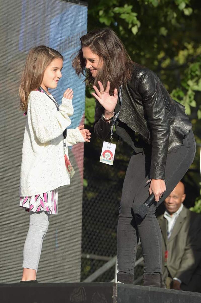 Katie ha hecho todo lo posible para mantener feliz a su hija, aseguran fuentes cercanas.