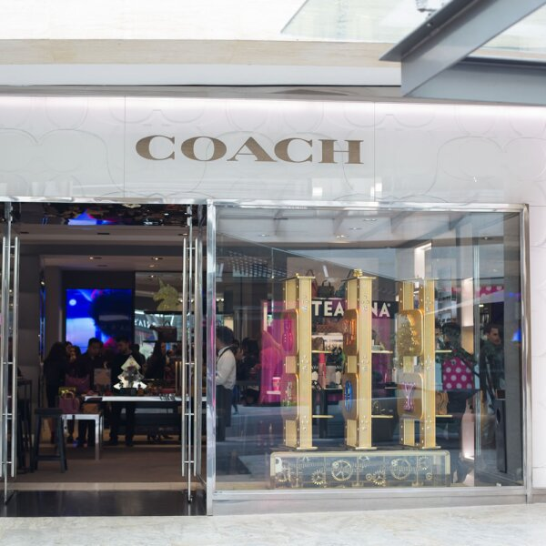Holiday Coach por Quién