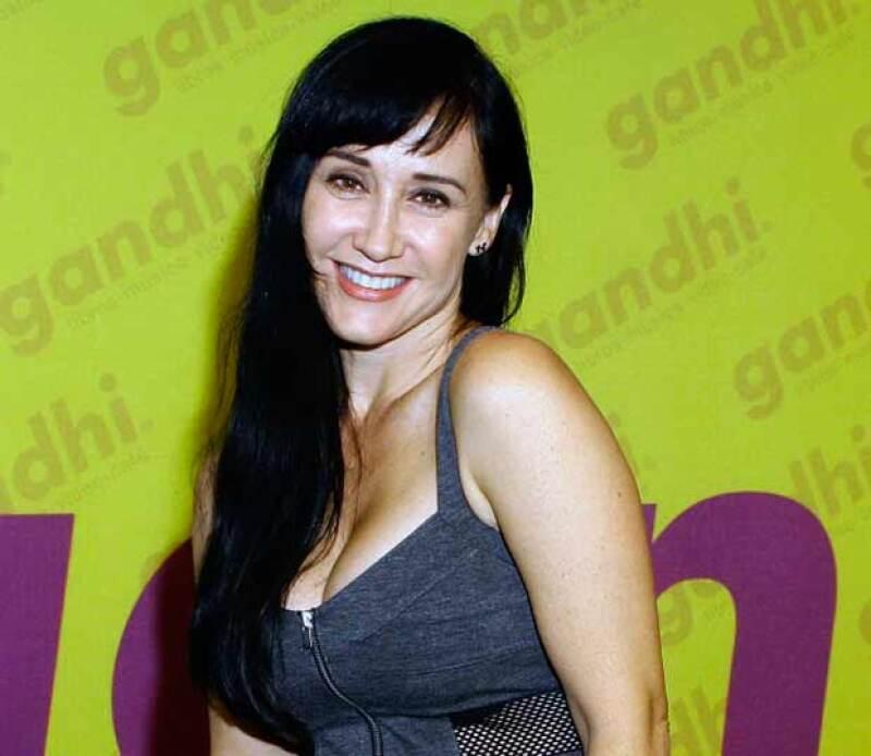 La actriz dijo entre lágrimas que perdió más de 3 millones de pesos en joyas y dinero y exigió seguridad a la autoridades.