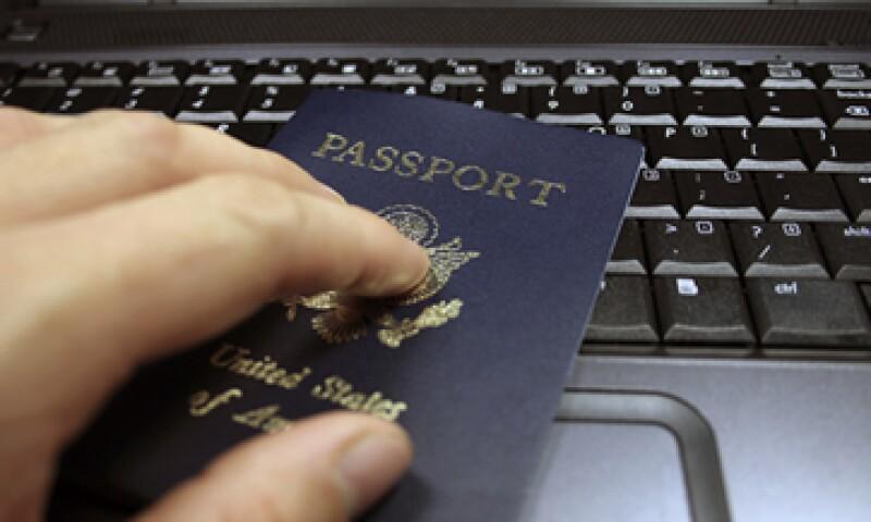 La petición de cita para tramitar el documento también se puede realizar por teléfono. (Foto: iStock by Getty Images)