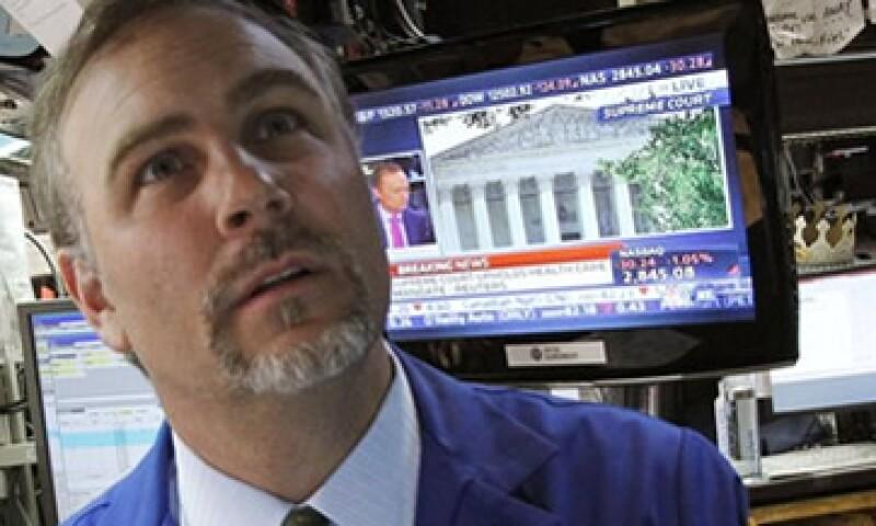 Wall Street también cerró a la porque la desaceleración en Europa afecta a compañías de EU. (Foto: Reuters)