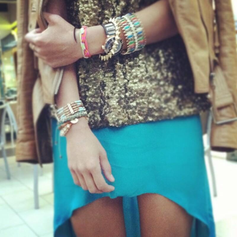 La blogger solía compartir close ups a sus outfits.