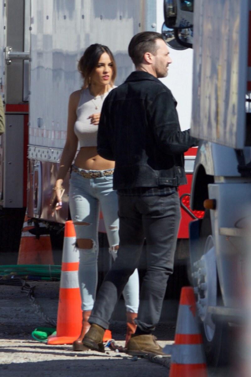 La actriz mexicana interpretará a una asaltabancos que es novia de Jon Hamm.