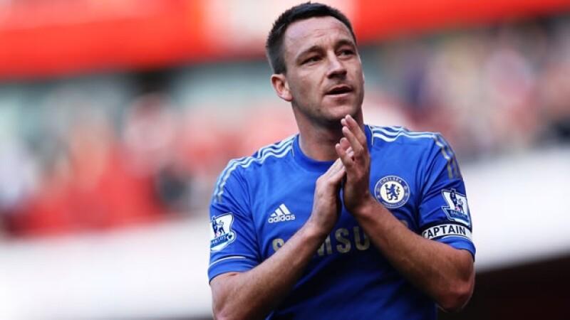 John Terry juega con el Chelsea