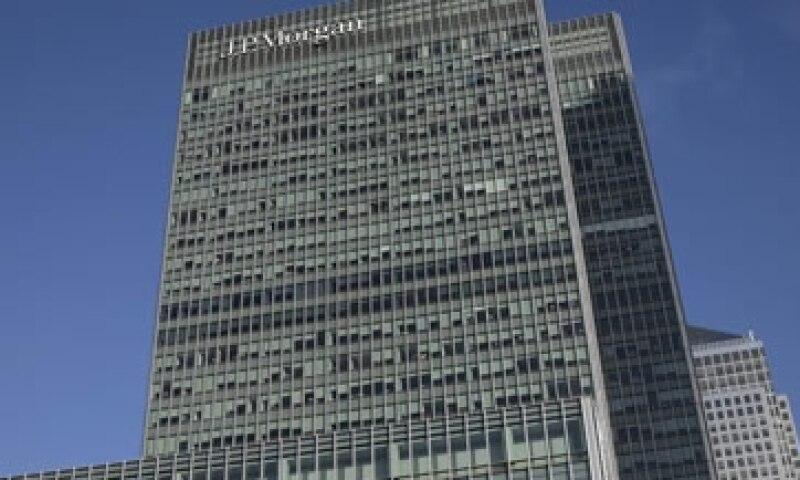 Las entidades financieras enfrentarían un recargo de hasta 4.5%, según estimaciones de funcionarios. (Foto: Reuters )
