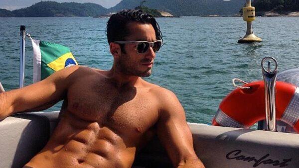 Aaron Díaz es el candidato perfecto: abs de acero, mirada muy seductora, y aunque no sea calificado como una cualidad para un concurso de belleza, es excelente papá.