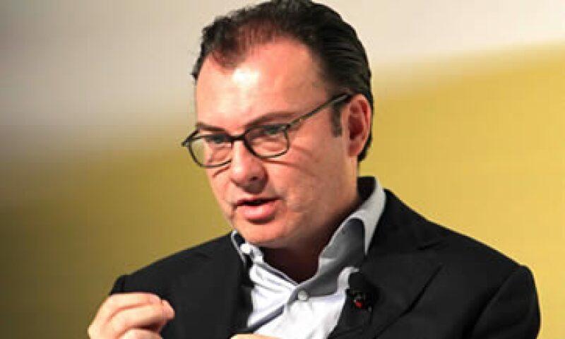 El secretario Luis Videgaray dijo que la caída del peso está relacionada con una baja en los precios del crudo. (Foto: Notimex )