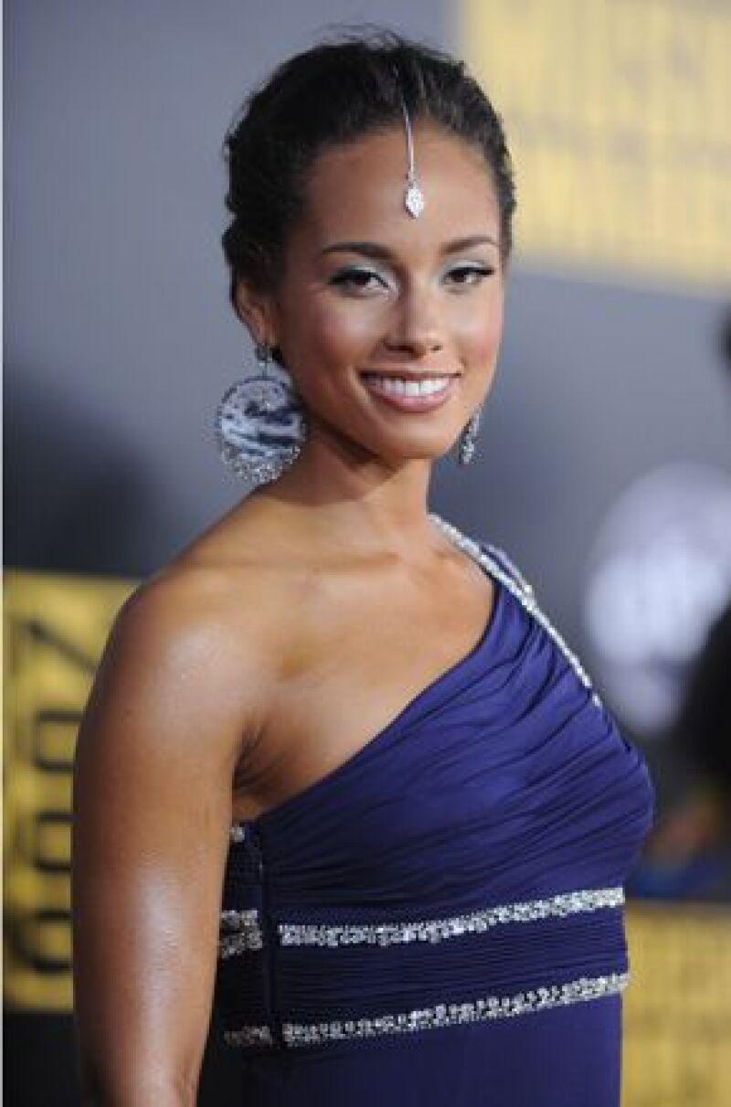 Las cantantes fueron postuladas en dichos galardones tanto en categorías de música como de cine.