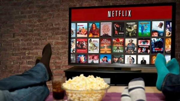 A todos se nos hace muy fácil y cómodo andar por ahí compartiendo nuestra contraseña de Netflix, aceptémoslo, incluso algunas veces un amigo es el encargado de compartirlo.