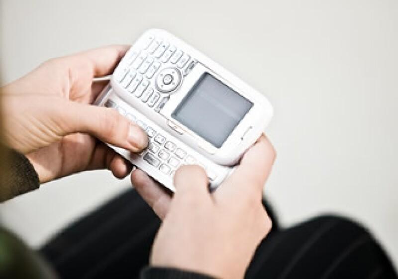 Los estadounidenses se han solidarizado con las víctimas del terremoto en Haití a través de sus teléfonos móviles. (Foto: Jupiter Images)