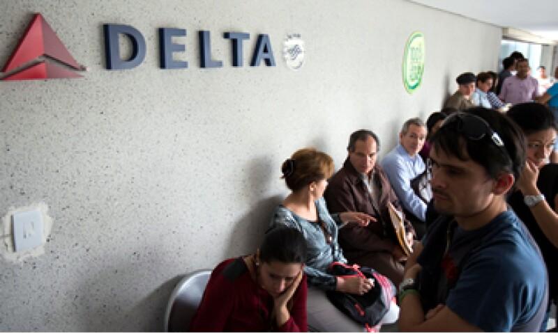 11 aerolíneas que operan en Venezuela redujeron sus vuelos entre 15% y 78% en el último año. (Foto: Reuters)