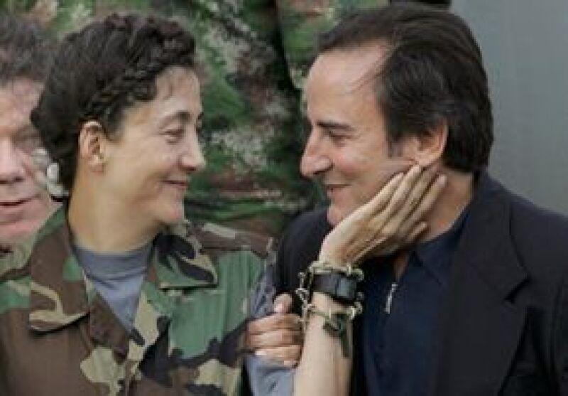 La ex rehén de las FARC gestiona la separación de su esposo, Juan Carlos Lecompte, bajo el alegato de `separación de cuerpos de hecho´, por los seis años que ella estuvo en manos de esa guerrilla.
